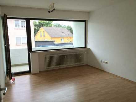 Helle 1 Zimmer Wohnung mit Balkon in Schweinfurt, 5 Gehminuten zur Innenstadt und Fachhochschule