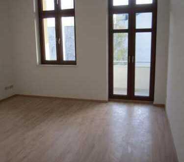 WG-geeignet: 3-Zimmer-Wohnung mit Balkon, Einbauküche und Fußbodenheizung in der Fleischervorstadt