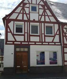Praxis / Büro / Laden im Zentrum von Rhens bei Koblenz