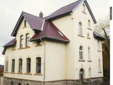 3-Zimmer-Dachgeschoss-Wohnung in Mündener Stadtvilla