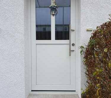 Preiswerte, neuwertige 2-Zimmer-EG-Wohnung mit EBK in Sonneberg