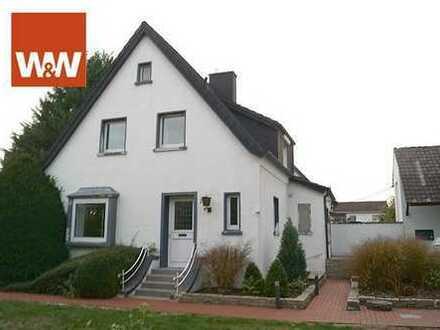 Mit viel Charme und und einem großem Grundstück! Saniertes Einfamilienhaus in Ennigerloh!