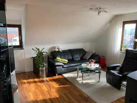 Neuwertige 4,5-Zi.-Dachgeschosswohnung mit Einbauküche und Panoramablick