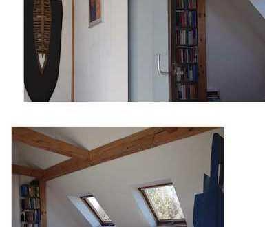Stilvolle, geräumige und renovierte 3-Zimmer-Wohnung mit Balkon in München Lerchenau