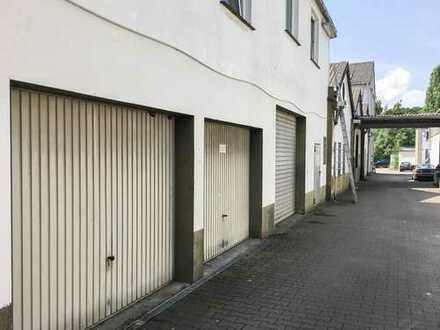 Attraktive Kapitalanlage! Grundstück mit 2 MFH und 4 Gewerbehallen nahe dem Ruhrgebiet!