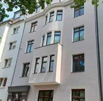 Altbau-Wohnung mit hohen Decken und tollem Grundriss von privat