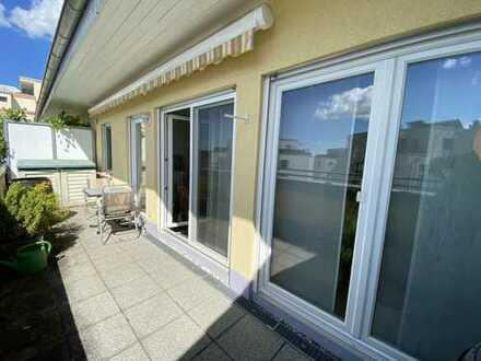 Einmalige Gelegenheit! Exklusive Dachgeschosswohnung mit großem Sonnenbalkon