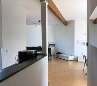 Großzügige, lichtdurchflutete Wohnung mit zwei Dachterrassen in Hürth Hermülheim