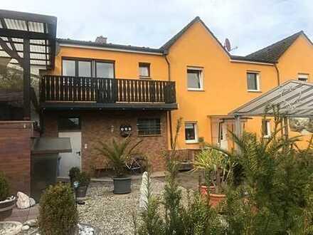 Wohnen in Erzhausen mit südlichem Flair. 1-2 Familienhaus mit vielen Möglichkeiten