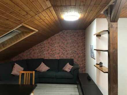 Schönes WG-Zimmer, neu renoviert in 2er WG