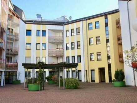 """""""Wohnen und Arbeiten unter einem Dach"""" in attraktiver Lage mit TG-Stellplätzen"""