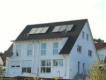 Attraktive und neuwertige Doppelhaushälfte mit 175 m² in Schwabach-Wolkersdorf