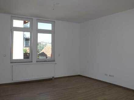 """""""Helle"""" moderne Wohnung mit 4-ZKB mit Garten +Balkon+zwei Stellplätze+Solaranlage"""