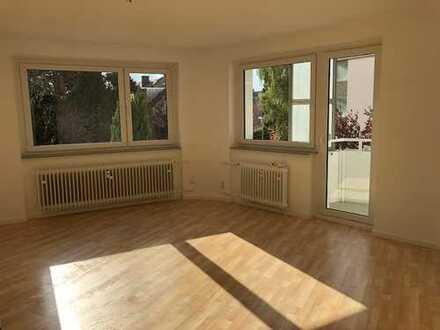 Topsanierte helle 1,5-Zimmer-Wohnung mit Balkon + Küche in MHH-Nähe