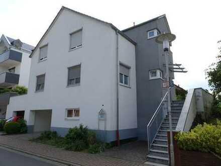 Neuwertiges Einfamilienhaus in Ortsrandlage, Provisionsfrei für Käufer