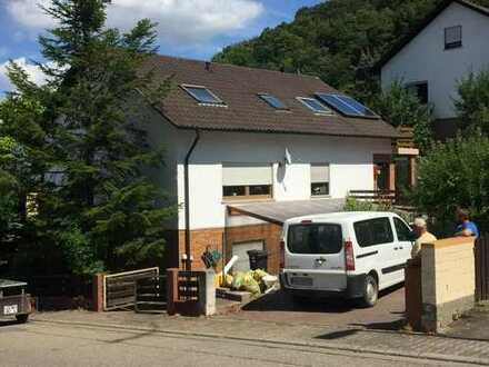 Schönes Haus mit sieben Zimmern in Bad Dürkheim - Hausen