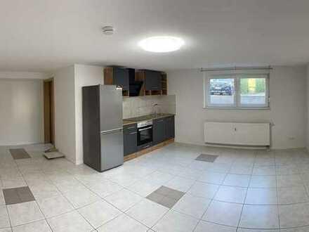 Exklusive, geräumige und sanierte 1-Zimmer-Wohnung mit Einbauküche in Rastatt