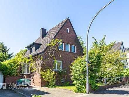 Schönes Haus mit Charakter und potenziellem Baugrundstück in Köln-Poll