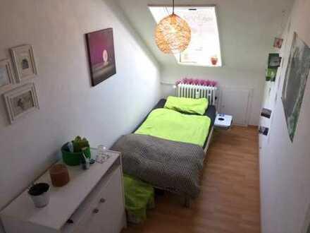 Schönes, möbliertes Zimmer zur Zwischen-/Untermiete