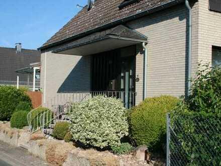 Schönes, geräumiges Haus mit 5 Zimmern in Sarstedt, Kreis Hildesheim