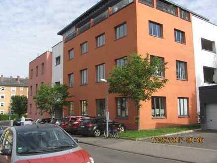 Moderne 3-4 Zimmer Wohnung in Kliniksnähe