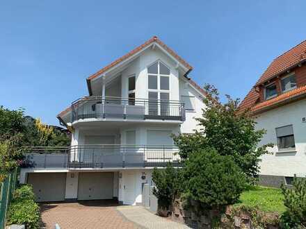 Exklusives Zweifamilienhaus mit großem Garten und Terrasse!