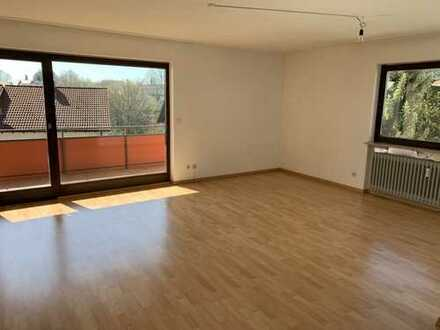 Schöne 3,5-Zimmer-Wohnung mit EBK und Balkon in Leinfelden