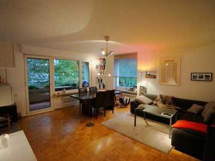 Ruhiges Nymphenburg: sehr gut geschnittene 2-Zi.-Wohnung mit großem Süd-Balkon