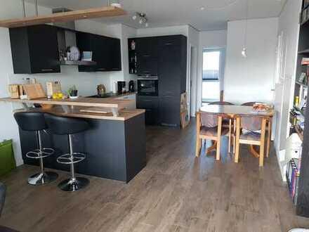 Exklusive, Neubau 3-Zimmer-Wohnung mit Balkon und Einbauküche. Zweitbezug!