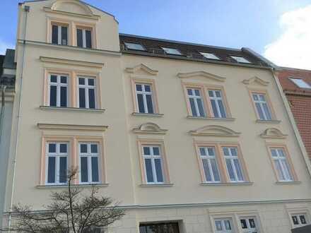 RESERVIERT! Traumhafte 1-Zimmer-Wohnung mit Terrasse & Stellplatz in zentraler Lage