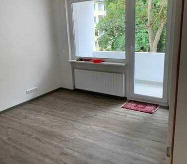 Erstbezug nach Sanierung: attraktive 4-Zimmer-Wohnung mit Einbauküche und Balkon in Dortmund