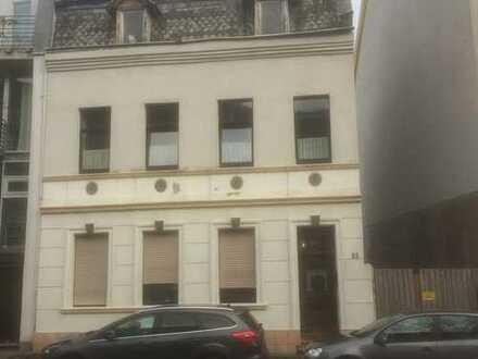 Grundstück mit aufstehendem Haus in sehr guter Lage Köln-Niehl