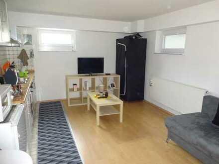 Möblierte 1-Zimmer Wohnung im Souterrain mit Tageslichtbad zu vermieten