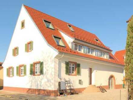 Freiburg-St. Georgen: Maisonette mit 93 m² im komplett modernisierten Bauernhaus, , Neubaustandard