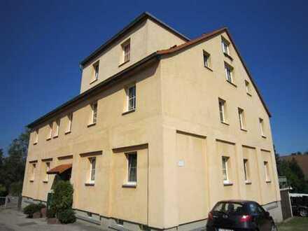 Ruhig gelegene, helle 3 Raum Wohnung in Oberplanitz mit Tageslichtbad/-küche