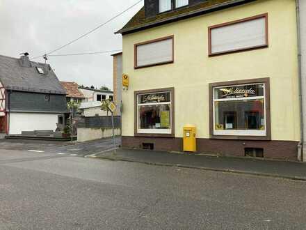 Große Ladenfläche im Herzen von Lutzerath zu vermieten