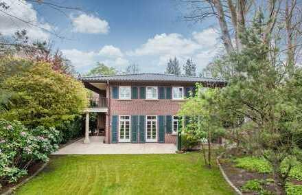 Grünlage: Villa mit hochwertiger Ausstattung am Alsterlauf