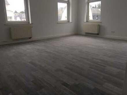 Schöne, geräumige zwei Zimmer Wohnung in Vogtlandkreis, Auerbach/Vogtland