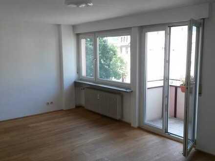 2-Zimmer-Wohnung mit Balkon und neuer Einbauküche in zentraler Lage