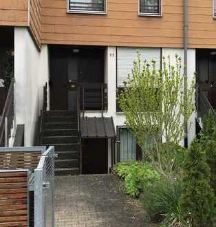 Ansprechendes RMH mit ELW und Garagen in Remseck am Neckar