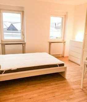 1 Zimmer in einer 2 Zimmerwohnung mit gemeinsamer Küche,
