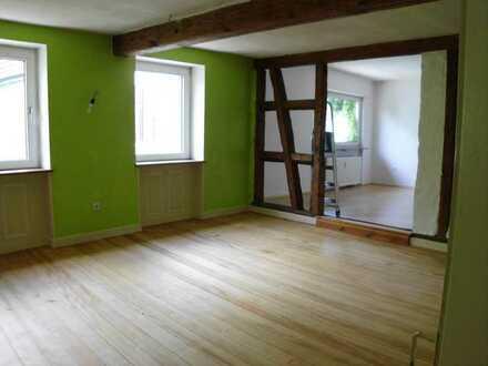 Vollständig renovierte Wohnung mit fünf Zimmern und Balkon in Dorn Dürkheim