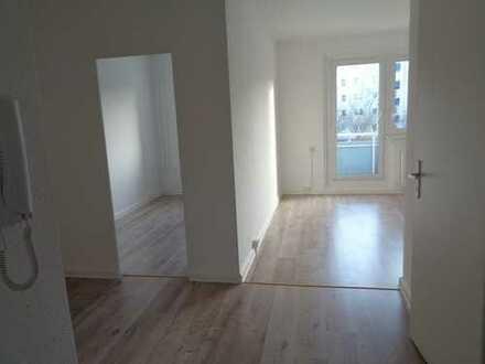 3 Räume I Balkon I Wannenbad