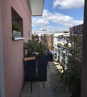 Schöne gemütliche 2-Zimmer Penthouse Wohnung in zentraler Lage