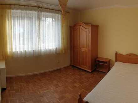 Zimmer in schöner Doppelhaushälfte mit großem Garten