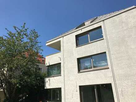 Wunderschönes Dachgeschoss mit Balkon im Neubau, inkl. Küche