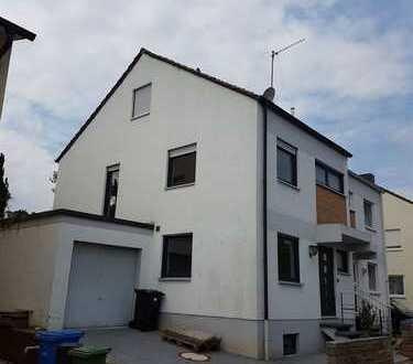 Saniertes Haus mit Garten und Garage in ruhiger Lage