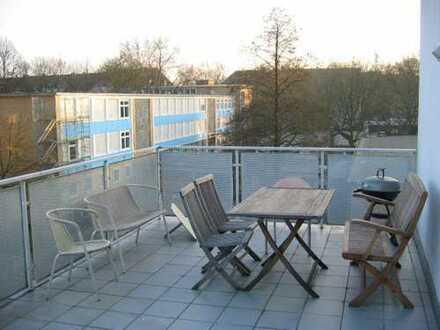 Klinikviertel: helle Loftwohnung mit großzügiger 28qm Dachterasse