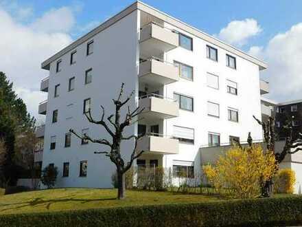 Top-gepflegte 4,5 Zi.-ETW, neuwertige EBK, 2 Balkone, TG-STP, begehrte Wohnlage..!