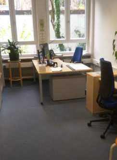 Mitten in Schwabing!! Schöne Büroräume im EG in ruhiger Hinterhoflage